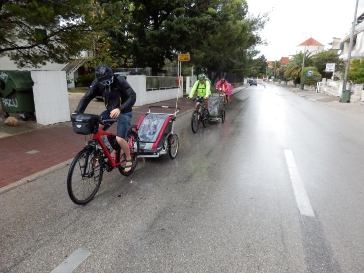 Lekka kurtka turystyczna Regatta Ultrafly Jacket - ciekawe rozwiązanie dla rowerzystów