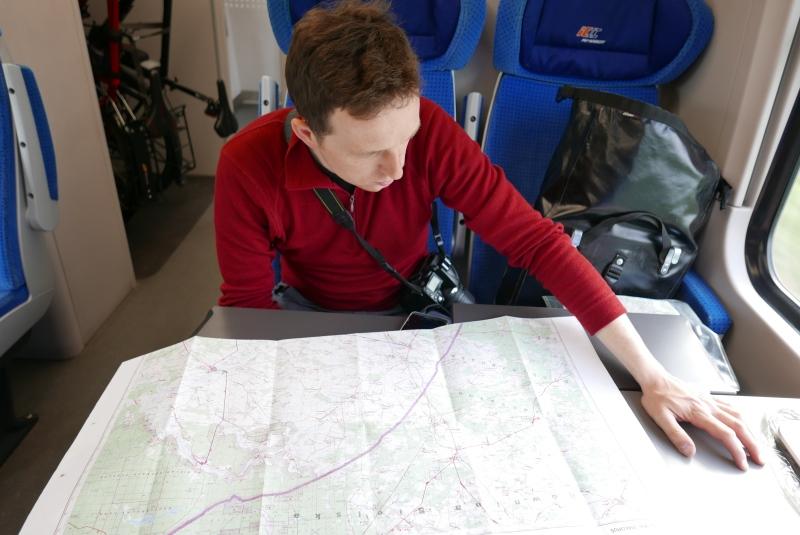 Planowanie trasy wycieczki w pociągu PKP Intercity.