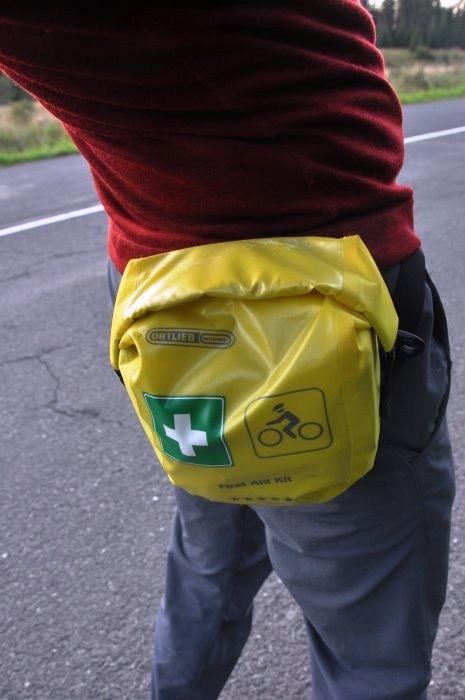 Apteczka Ortlieb dedykowana rowerzystom. Nieduża, nieprzemakalna, z możliwościązamocowania przy pasku spodni.