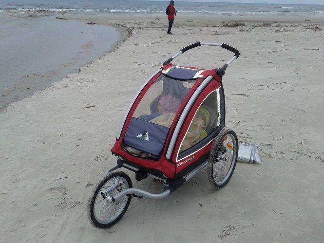 Przyzwyczajanie niemowlaka do przyczepki rowerowej