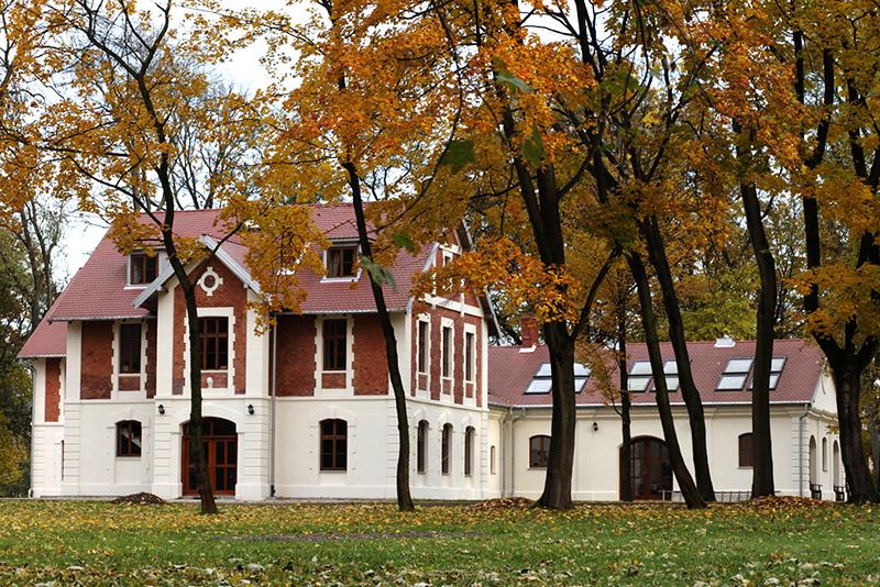 Dom i Biblioteka Sichowska - miejsce przyjazne rodzinom