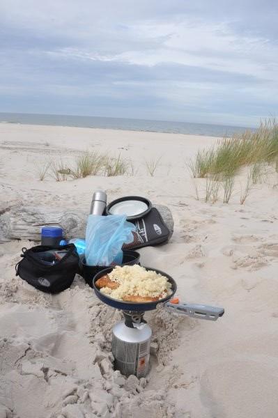 Naczynia turystyczne GSI Outdoors nad podczas rodzinnej wycieczki rowerowo-pieszej nad Morzem Bałtyckim