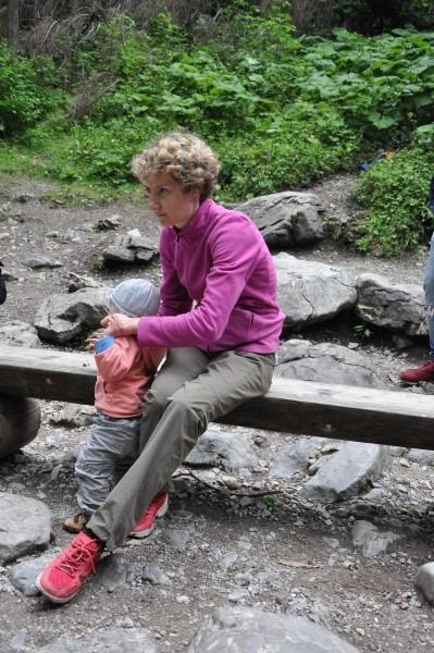 Spodnie Regatta i lekki polar Quechua. Do tego lekkie buty do biegania - w sam raz na tatrzańskie dolinki.
