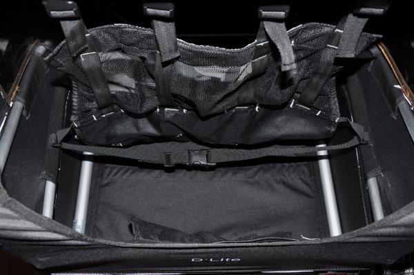 Берли также имеет очень удобный стояночный тормоз на задней части трейлера